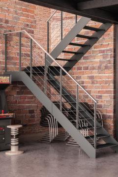 Scala a rampe in ferro verniciato